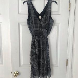NWT Dress Size L.